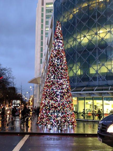 Christmas tree near London Bridge
