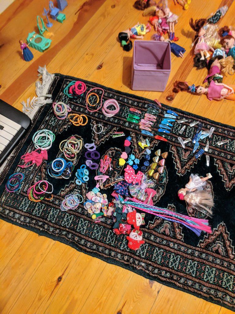 Organising accessories